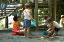 lac-de-castet-bielle-enfants sable