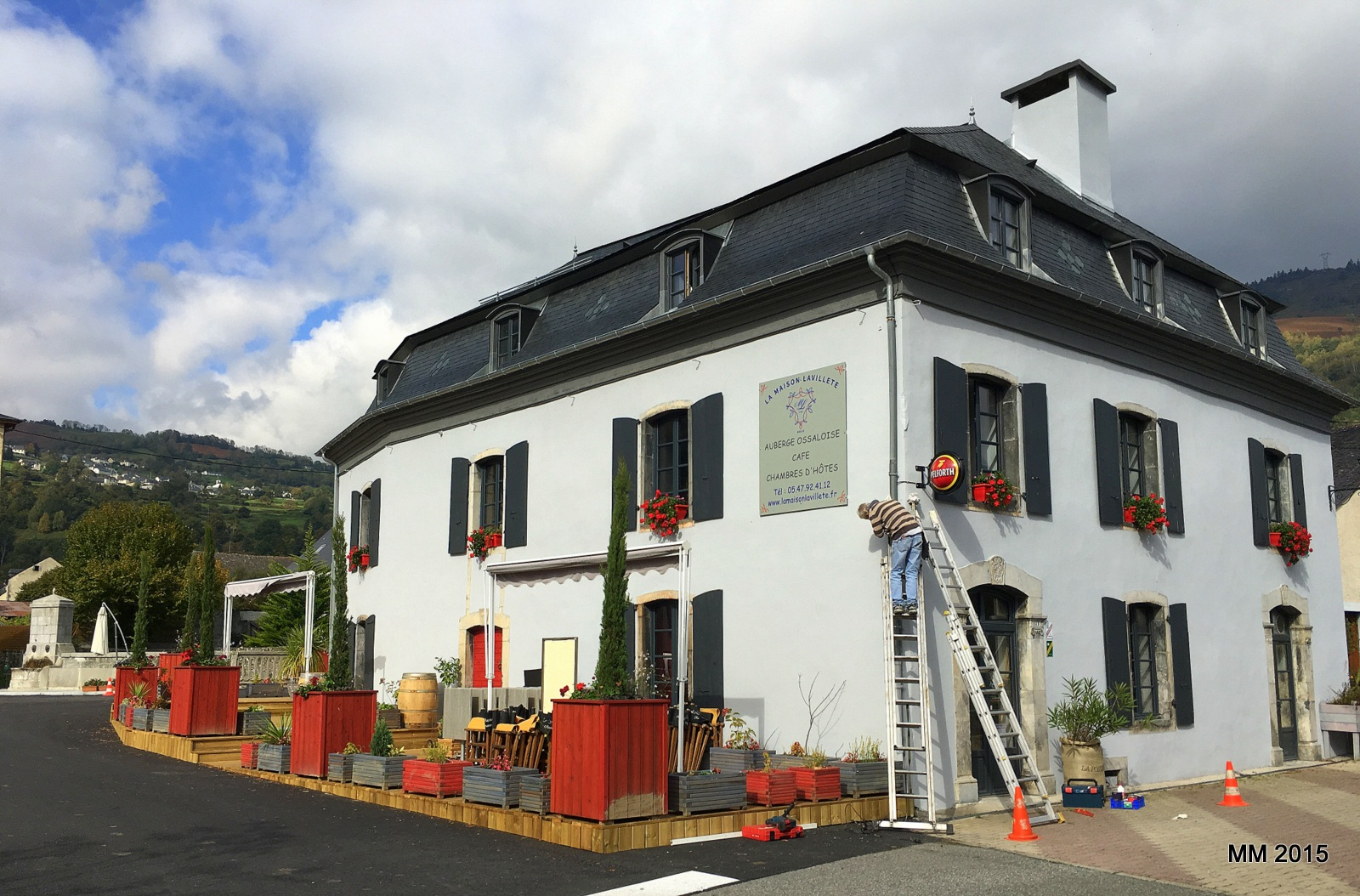 Auberge ossaloise, café, chambres d'hôtes à BIELLE - La Maison Lavillete